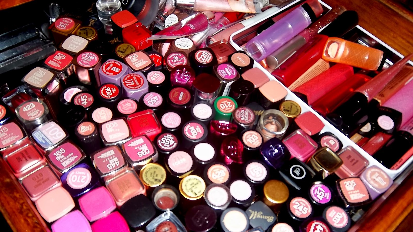 3. When playing up your lips, keep your eye makeup minimal. Makeup is like a balancing act, pick one feature and go big.