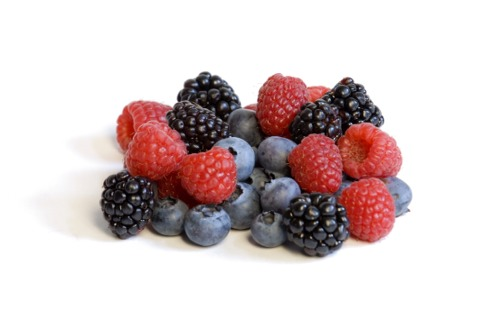 First get 2 cups frozen mixed berries and place into a blender.  Raspberries, strawberries and blueberries are all antioxidants and so removes potentially damaging oxidising agents in your body, which is a positive 👍