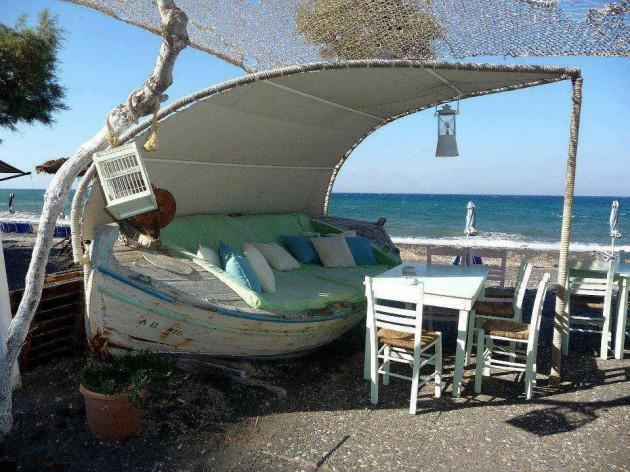 Patio Boat Swing  Transform your patio into a nautical masterpiece. This would be a great piece of furniture to have if you have a summer house on the water! Keep the boat as rustic and old looking as you can. It gives it its charm!
