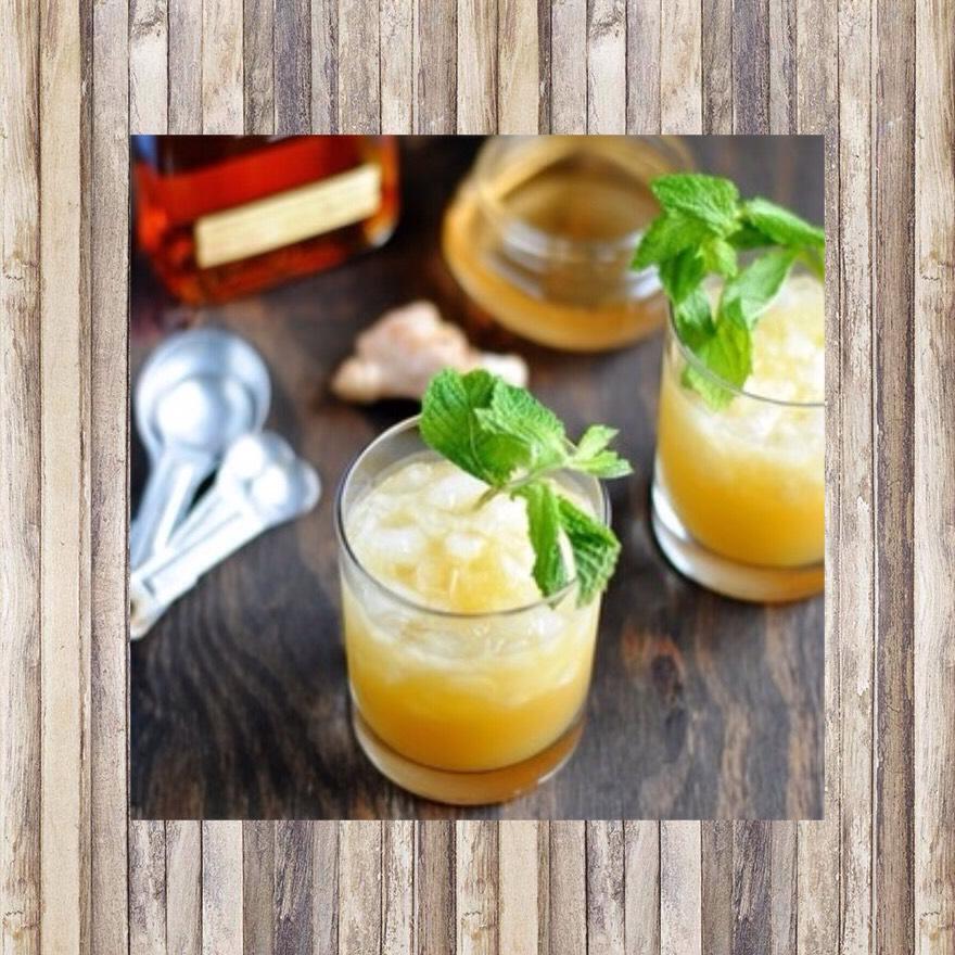 Mint julep🍸 4 mint leaves  2 sugar cubes 2 1/2 oz bourbon  4 ice cubes
