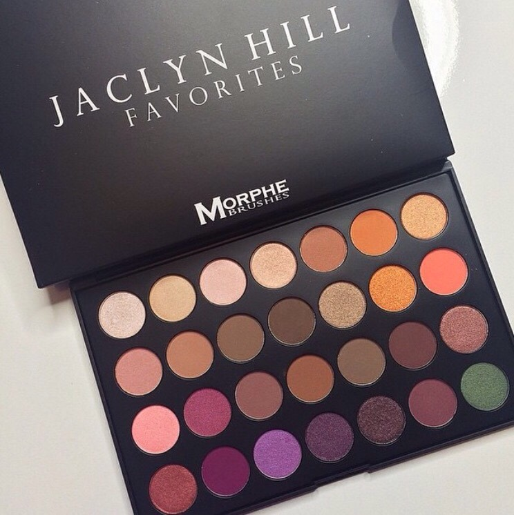 If you are a Jaclyn Hill fan, or a Morphe Brushes fan, you will know that Jaclyn Hill came out with her own palette in collaboration with Morphe Brushes. The palette sold out, and is taking forever to get restocked!!