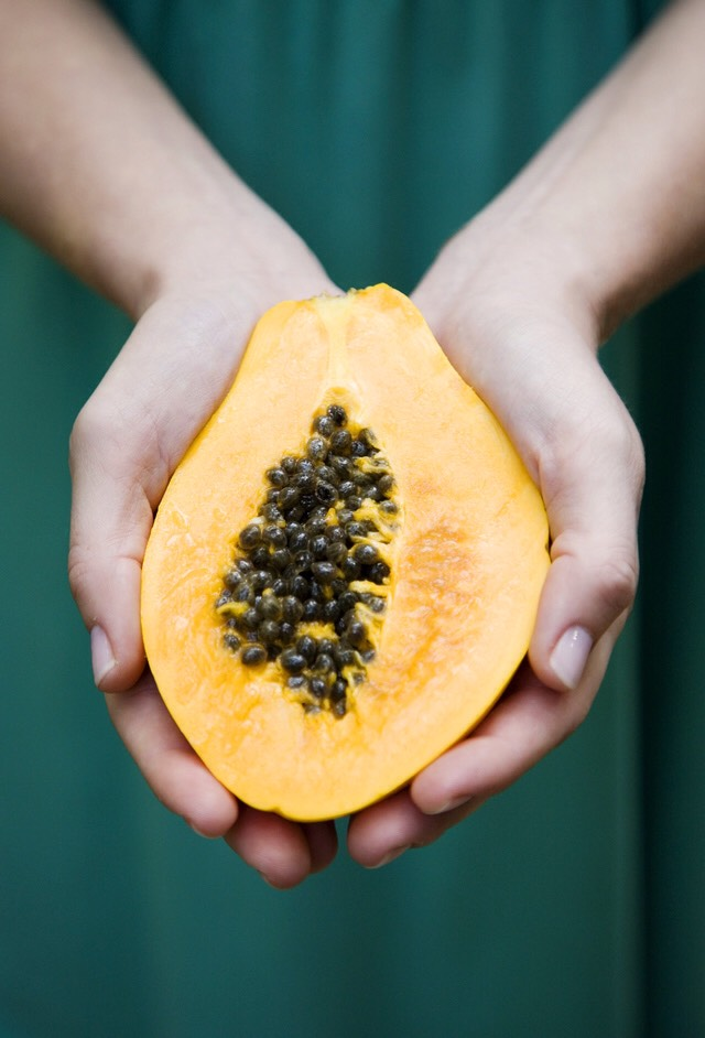 PINEAPPLE PAPAYA EXFOLIATING FACE MASK | This is a DIY hack based off ofKiehl's $28 version.Papaya is full of Vitamin A which helps to remove dead skin cells, while thebromelain in pineapple helps to reduce inflammation. Use this one for a cooling, tropical weekly face treat.