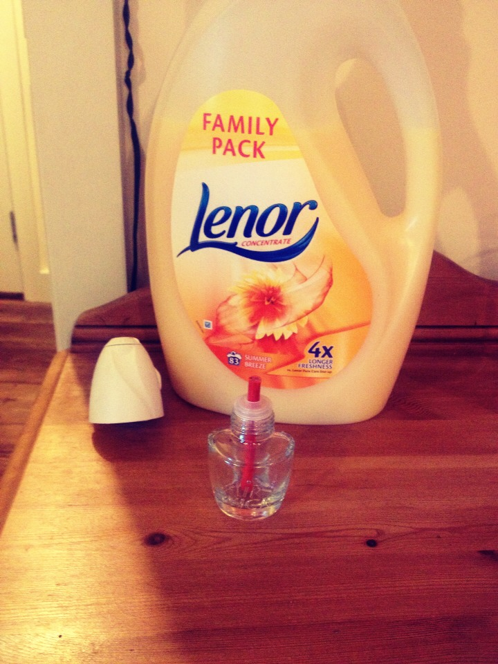 What you need:  Fabric softener Water Empty plugin