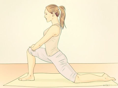DO A LUNGE STRETCH. The lunge stretch helps to loosen your hips, which is necessary for performing a good splits.