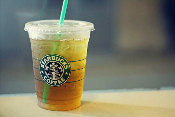 PREVIEW a picture of how Starbucks serves it👌