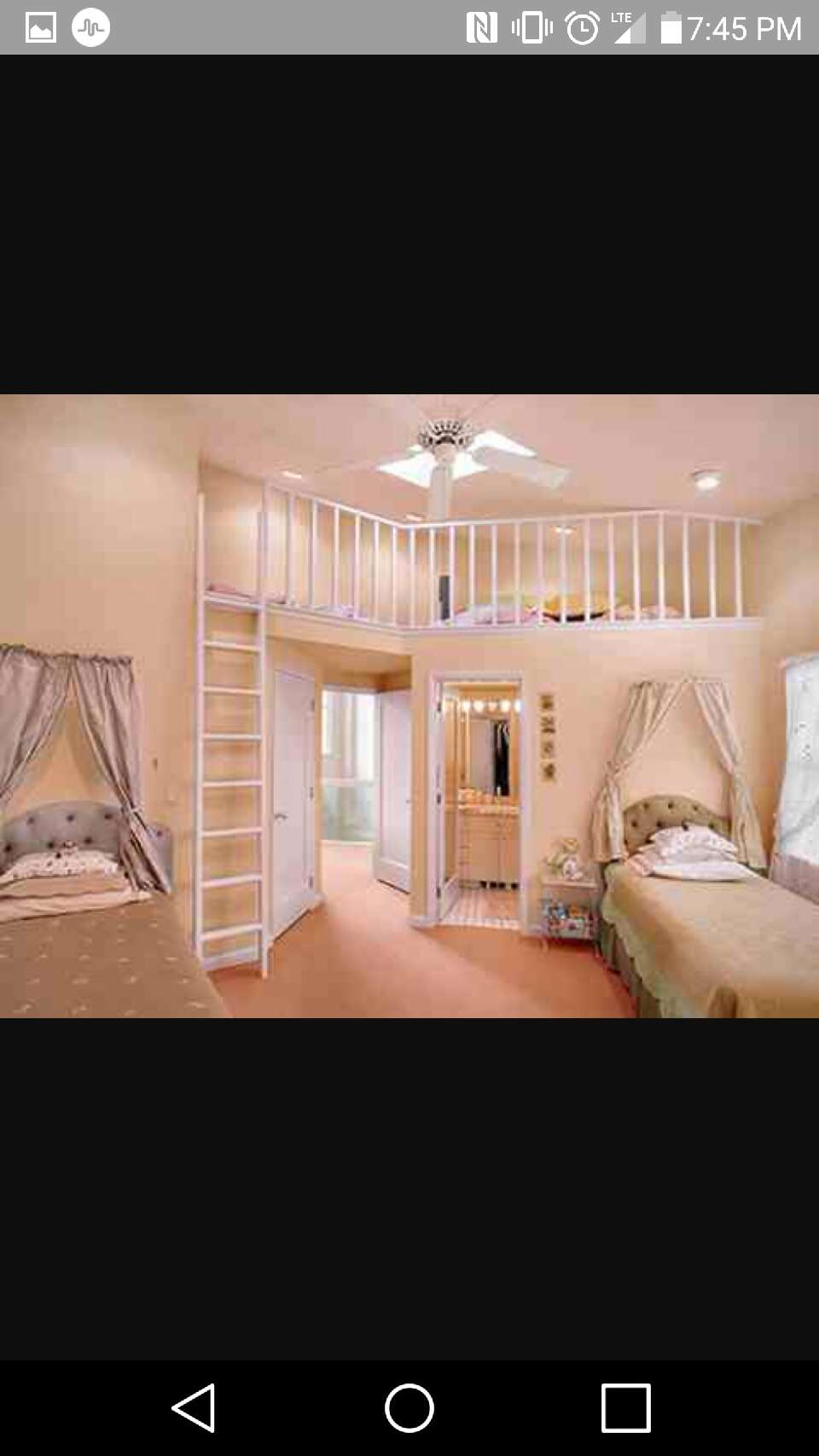 this room is good if you have a sister or 2 😊😊