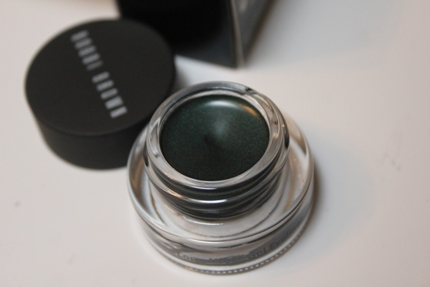 When your eyeliner fades after 1 blink- Try gel eyeliner it lasts longer an gives a more intense look.