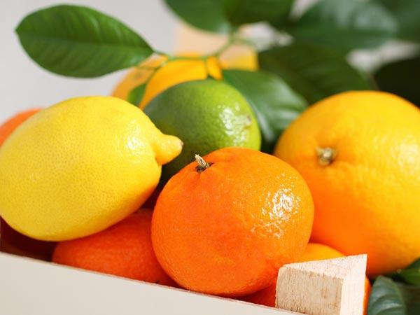 Citrus fruits Citrus fruits like oranges, lemons, lime, etc. contain ample of vitamin C. Vitamin C is required for making collagen which helps in hair growth. Vitamin C is not made by our body and should be consumed externally only.