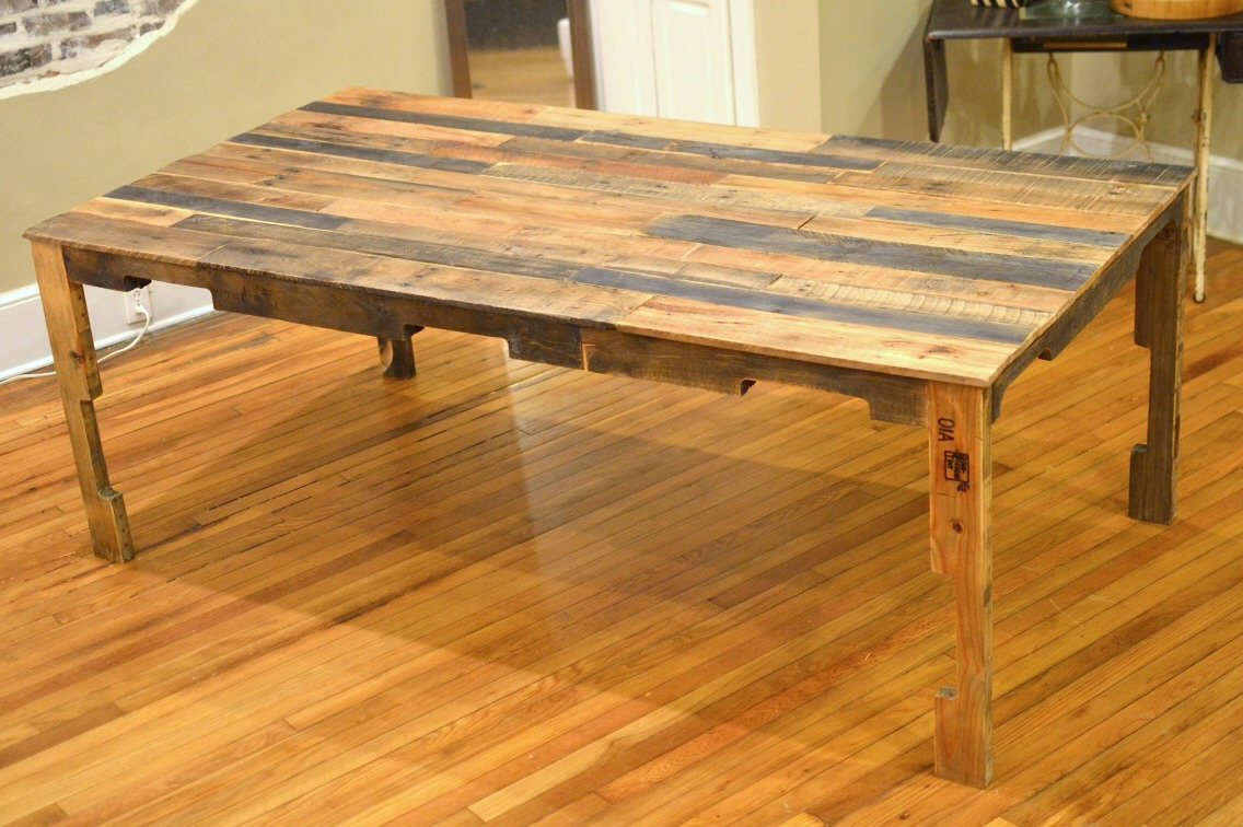 Make a pretty dining room table.
