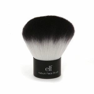 This brush creates an airbrushed look to your makeup, and can be used on wet or dry products.