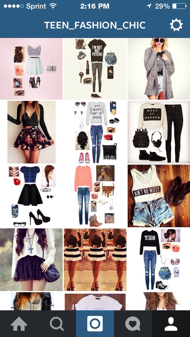 Reads your comments and dedicates outfits to you! Just comment three things that define you!❤️