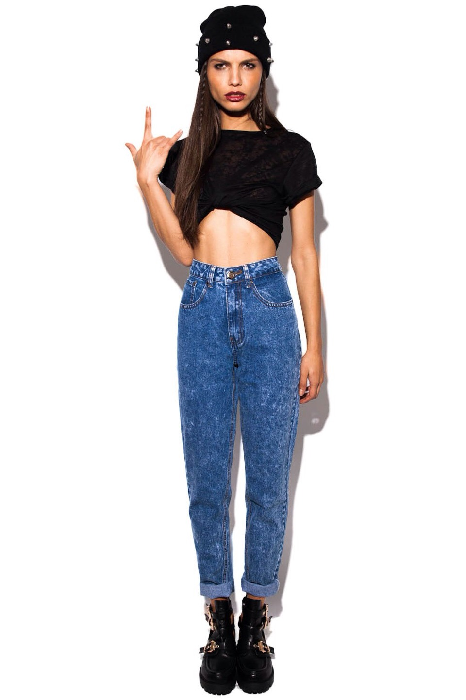 a pair of dark mom jeans will keep you warm but will also make you look so high street