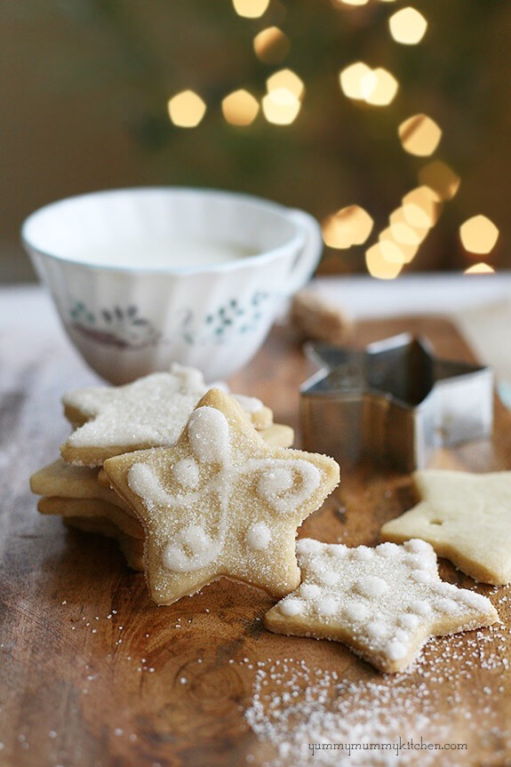 http://www.yummymummykitchen.com/2012/12/the-best-sugar-cookies-shhhh-theyre.html