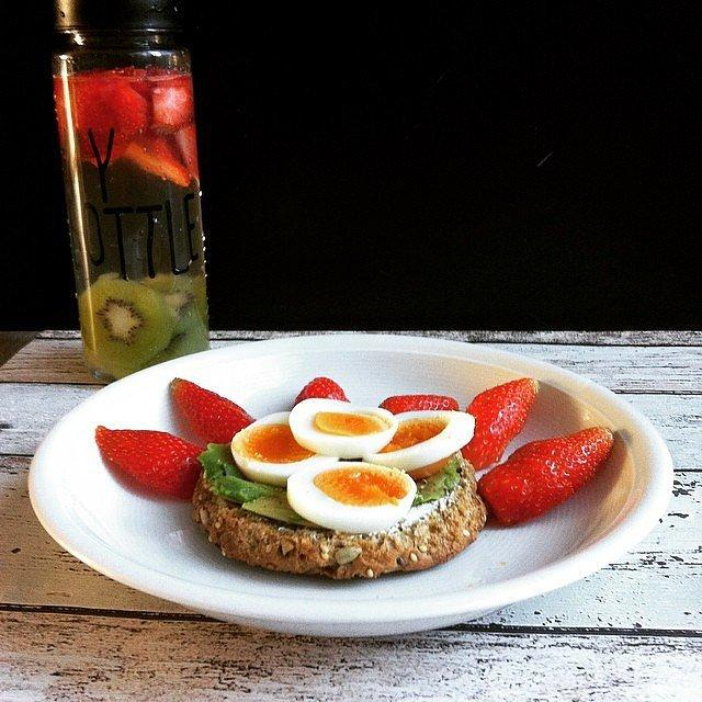 Now That's a Breakfast! Your breakfast becomes instantly Insta-worthy when you've got fruit water and avocado toast.n