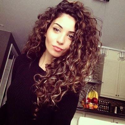 Popular Curly Hair Styles For Women By Nunita Nice Musely