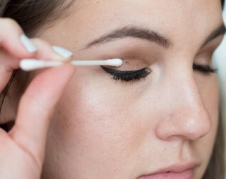 Use a cotton swab to remove mascara on your eyelids to prevent ruining your eyeshadow