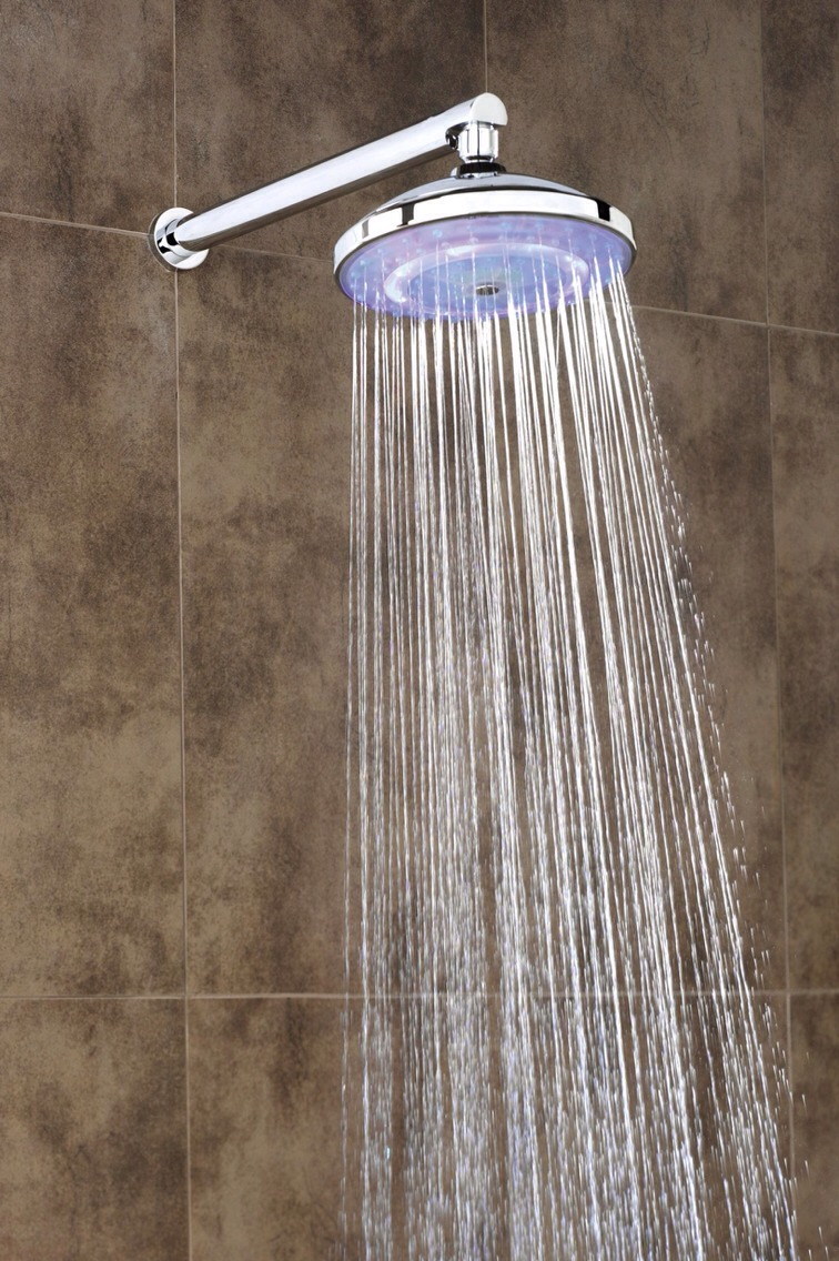 Everyday have a 2 minute shower, with the temperature of the water being below 25 degrees. Believe it or not, this cold shower will make you burn more that 100 calories in just 2 minutes!!
