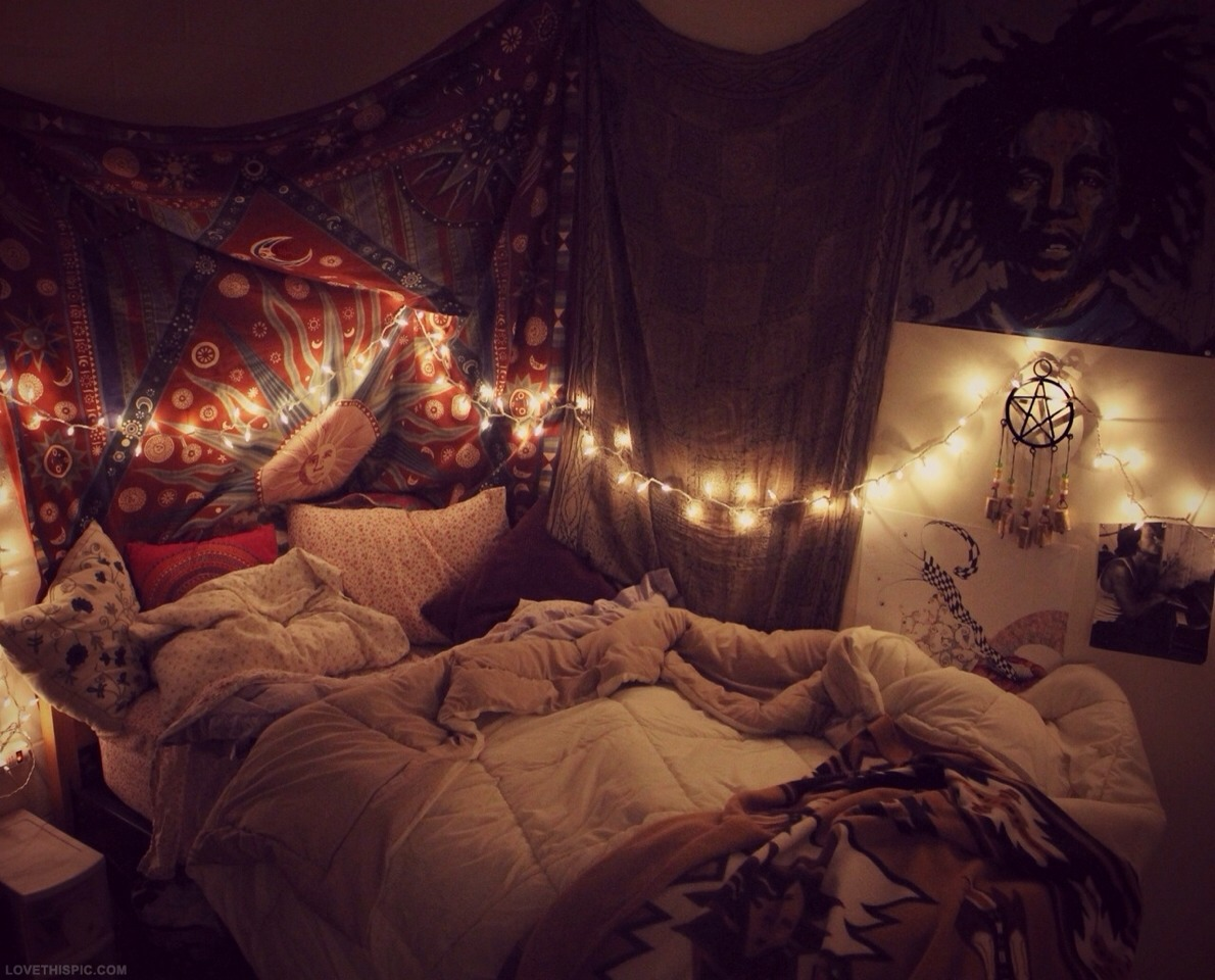 White christmas lights in bedroom tumblr - Hang White Christmas Lights Along The Ceiling Or Around Your Bed They Will Create A