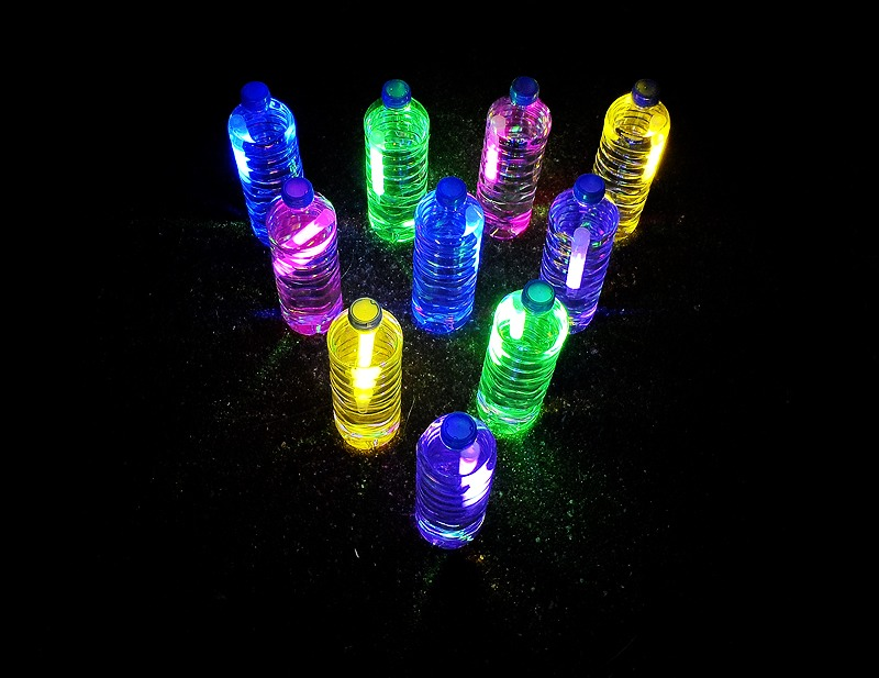 Now put them outside for awesome outdoor DIY glow stick Bottles