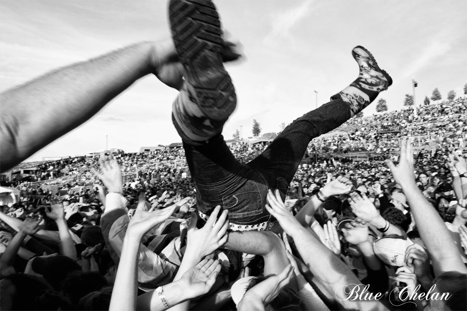 If there is a crowdsurfer coming then DONT DROP THEM. And if you are crowdsurfing then just be careful.