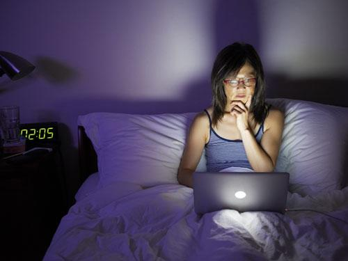 T.v's,laptops,phones and more may keep you awake by distracting you from sleeping. Simply turn off phones before bed and make your room an environment which doesn't have gadgets in it to distract you.