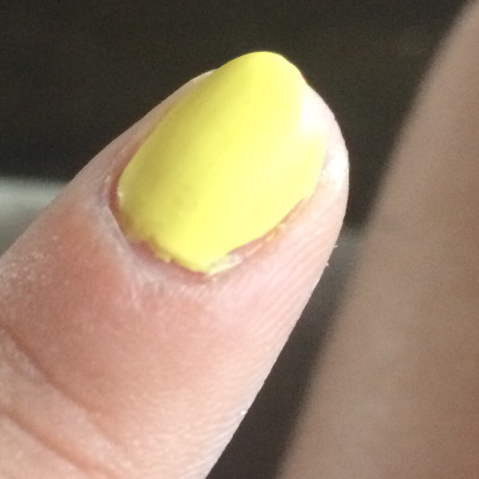 Yellow to the pointer fingers