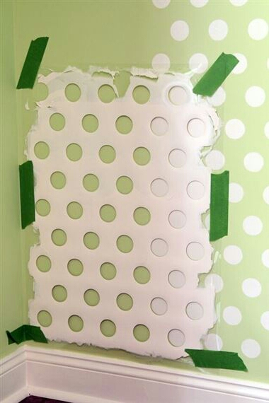 old laundry basket= polka dot stencil!