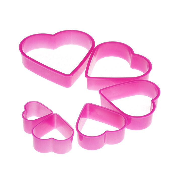& heart shaped cookie cutters ( different sizes )