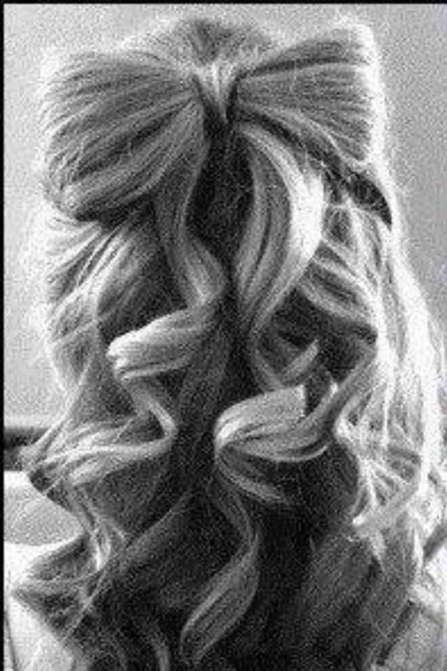 Curled bow
