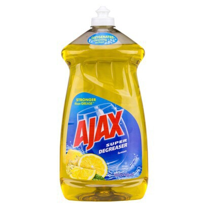 Add 3drops of dishwashing liquid soap onto the mixed water and vinegar.