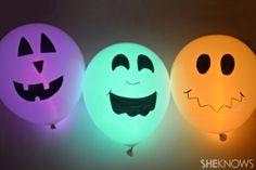 --> Halloween Glow sticks balloons.