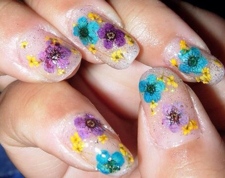 Check out the video tutorial for this nail art design below!