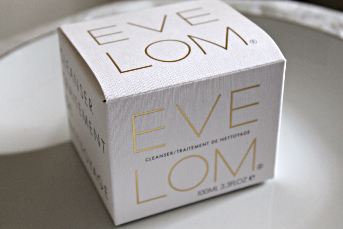 This cleanser is beyond wonderful! I've only been using it for a couple of weeks and I'm already seeing fantastic results. Eve Lom's cleanser promises to deep clean without stripping your skin, remove any and all makeup, exfoliate and decongest, and improve circulation! ---->