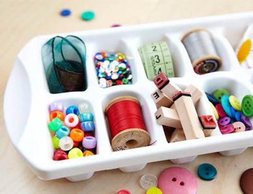 Ice cube trays are great for holding small beads or buttons and helps keep your crafting organized!