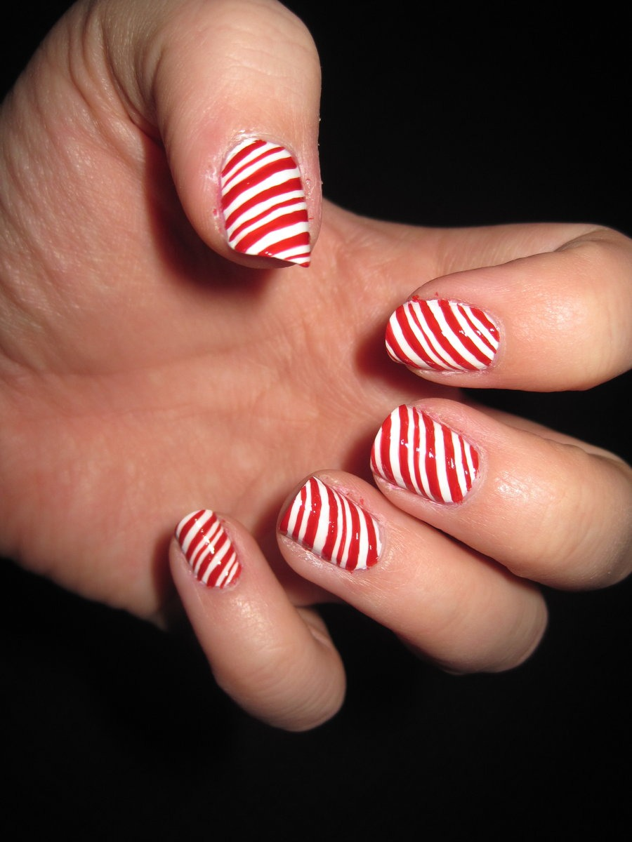 Musely finally a classic nail design show off your favorite christmas candy by painting candy prinsesfo Images