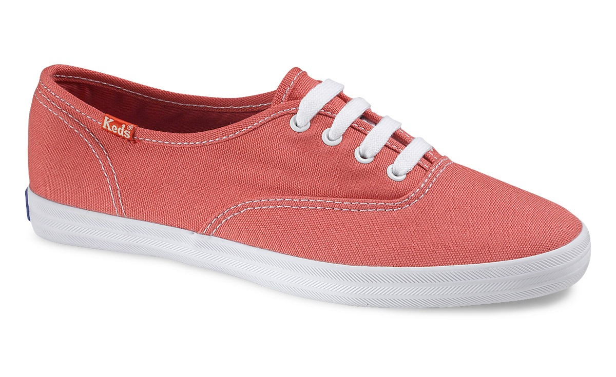 10) COMFORTABLE SHOES! Preferably cute sneakers because walking is what you'll do most. I sprayed mine with a waterproof spray (you can get at foot locker) in case it rained so they wouldn't stain.