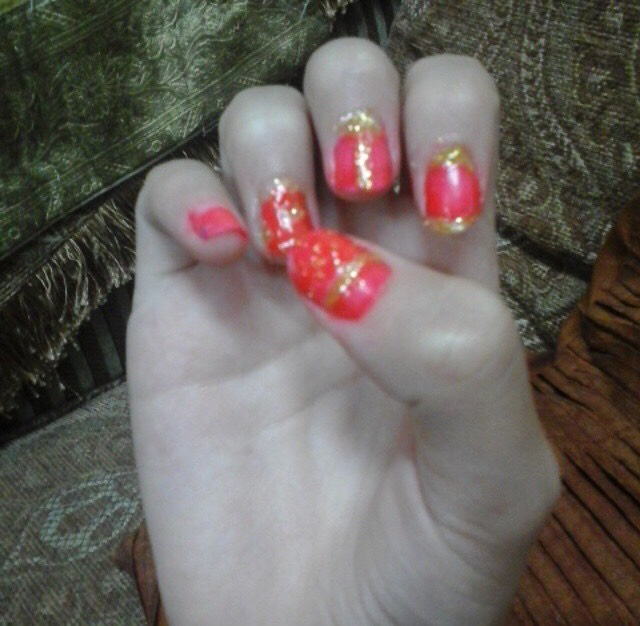 6.classic darkish pink n gold nails