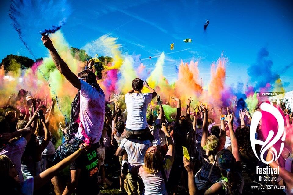 Go to a festival 🎵
