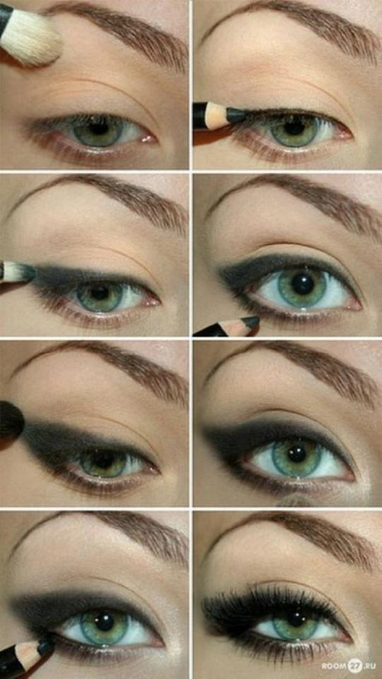 Seductive eye makeup for green eyes.