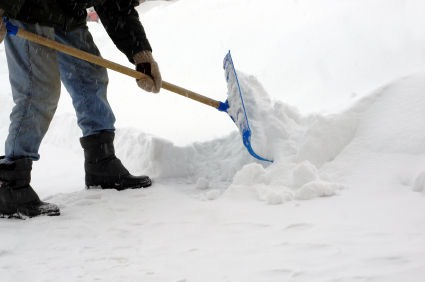 If it's snowing a couple inches , offer to shovel snow for $15 in your area . Offer to clean the driveway , the front path , and the front of stores.