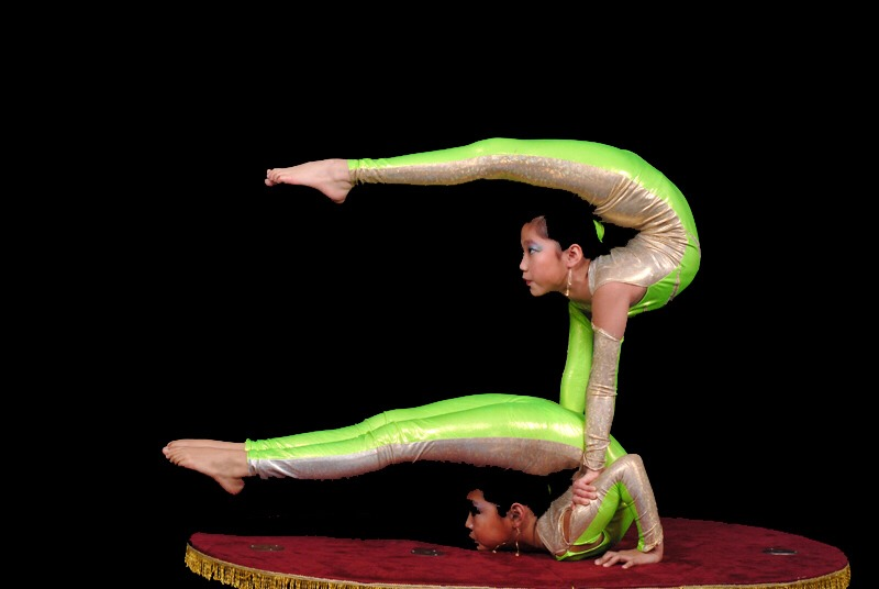 Pro4 if you have a contortion buddy you can do 2wice as many contorting moves! People won't be able to ignore you!