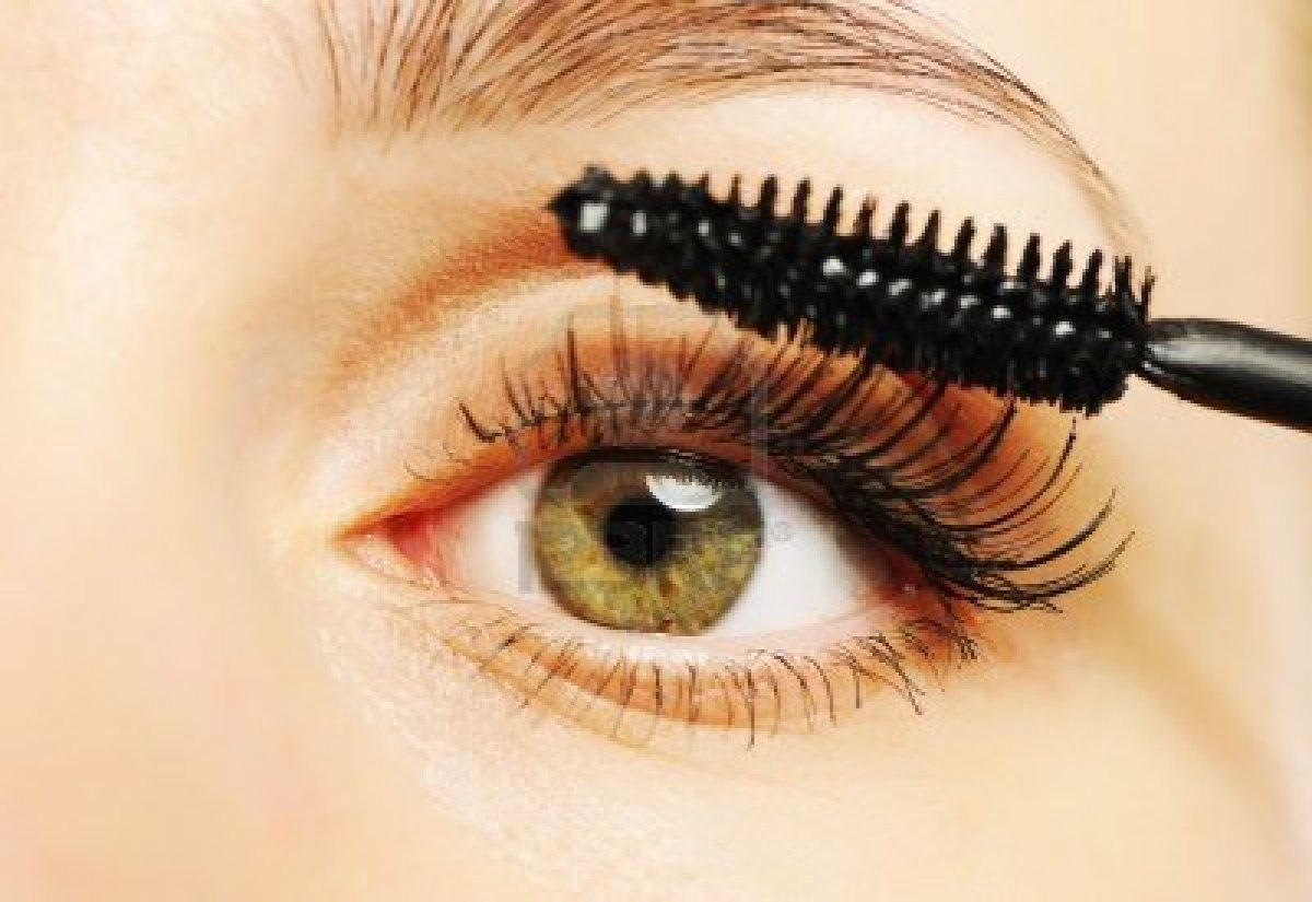 When applying mascara, lift up your lid so you can get to the roots of the lashes. Always apply from the roots to make lashes look longer!