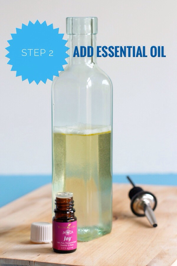 STEP 2 | Add the drops of essential oil.   NOTE | You can add more than the 15-20 drops I list on the recipe, as the water in the bath will dilutie the oils even more - so add as many as you'd like until you get the smell to your liking!
