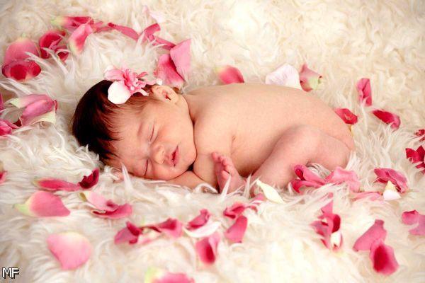 Cute Newborn Baby Photo Ideas