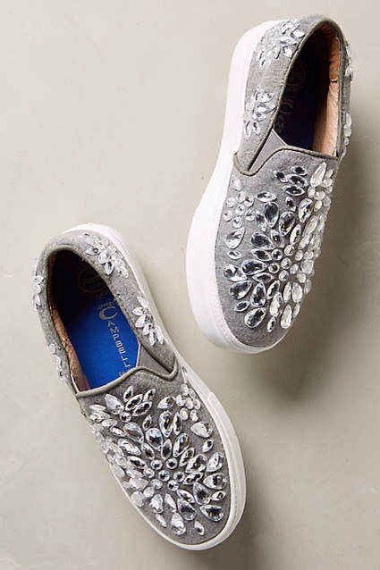 10. You can also try the same technique to make a pretty gemstone pattern. This is such a cute way to spice up a old pair of shoes.