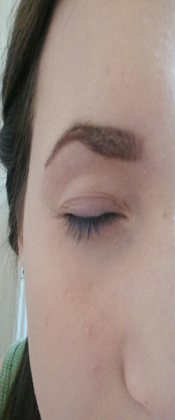 apply the lighter shade on the inner bit of the brow and fill in the inside(the camera makes my eyebrow look weird)