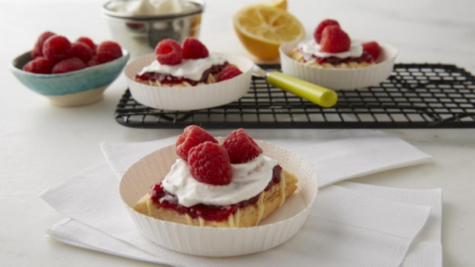 This better-for-you single-serve treat combines two of summer's favourite flavours.