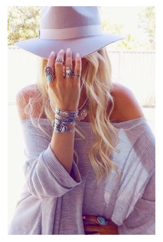 #1 Statement Accessories  I am sure you missed wearing pretty bracelets and neck pieces during winters. Now is the time to splurge over some fashionable rings, bracelets, body chains and neck pieces.