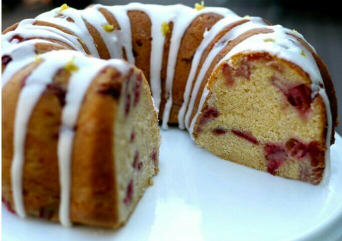Strawberry Lemon Cream Cheese Pound Cake 🍓🍋🍰