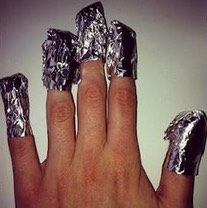 9. Has your shellac manicure started to peel or you're ready for another color? A quick way to remove the old and get ready for the new is to get stripes of paper towel and soak it in acetone nail polish remover, wrap your fingernails with it and then wrap them again with some tinfoil. Wait 5 minute
